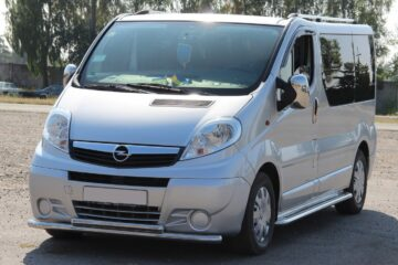 Микроавтобус Opel Vivaro